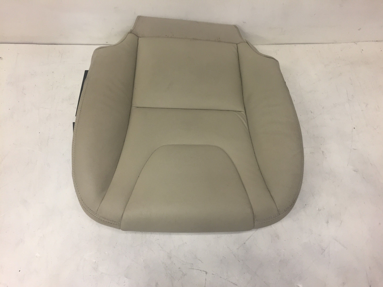 2015 Volvo V60 Front Right Passenger Lower Said White Leather Seat