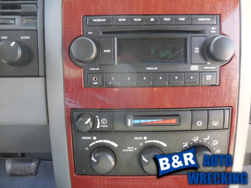 05 06 07 JEEP GRAND CHEROKEE AUDIO EQUIPMENT 6198033 6198033