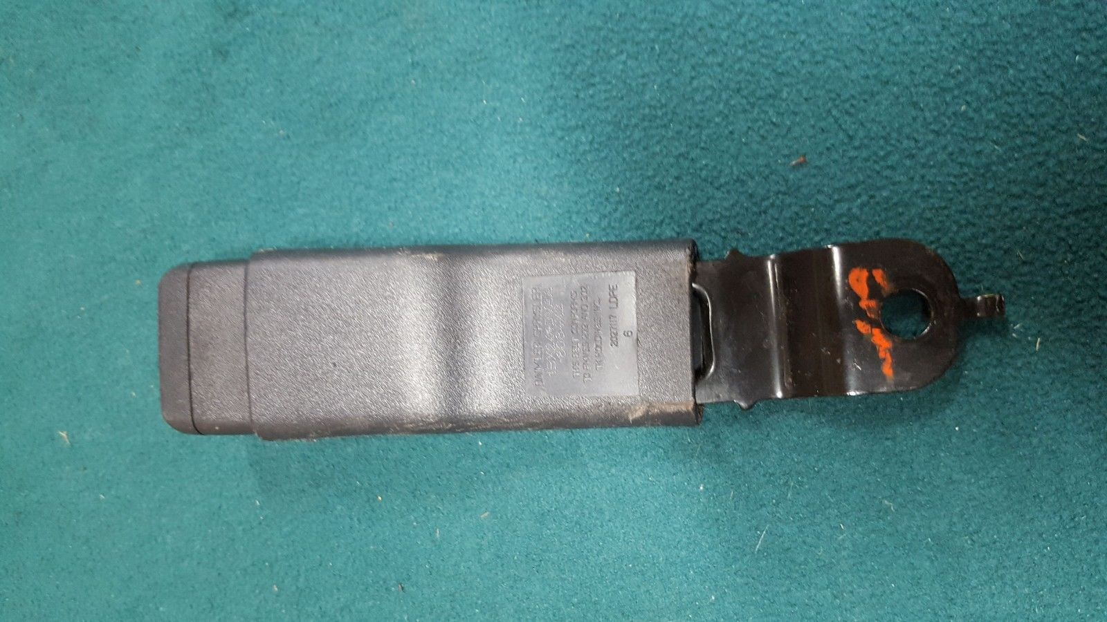 2005-2009 Dodge Charger Chrysler 300 Touring FR RH Passenger Seat Belt Buckle  Does not apply
