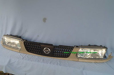 Nissan Tsuru Sunny Sentra B13 Headlights Head Light Lamps Set L&R w/ Grill 93-94