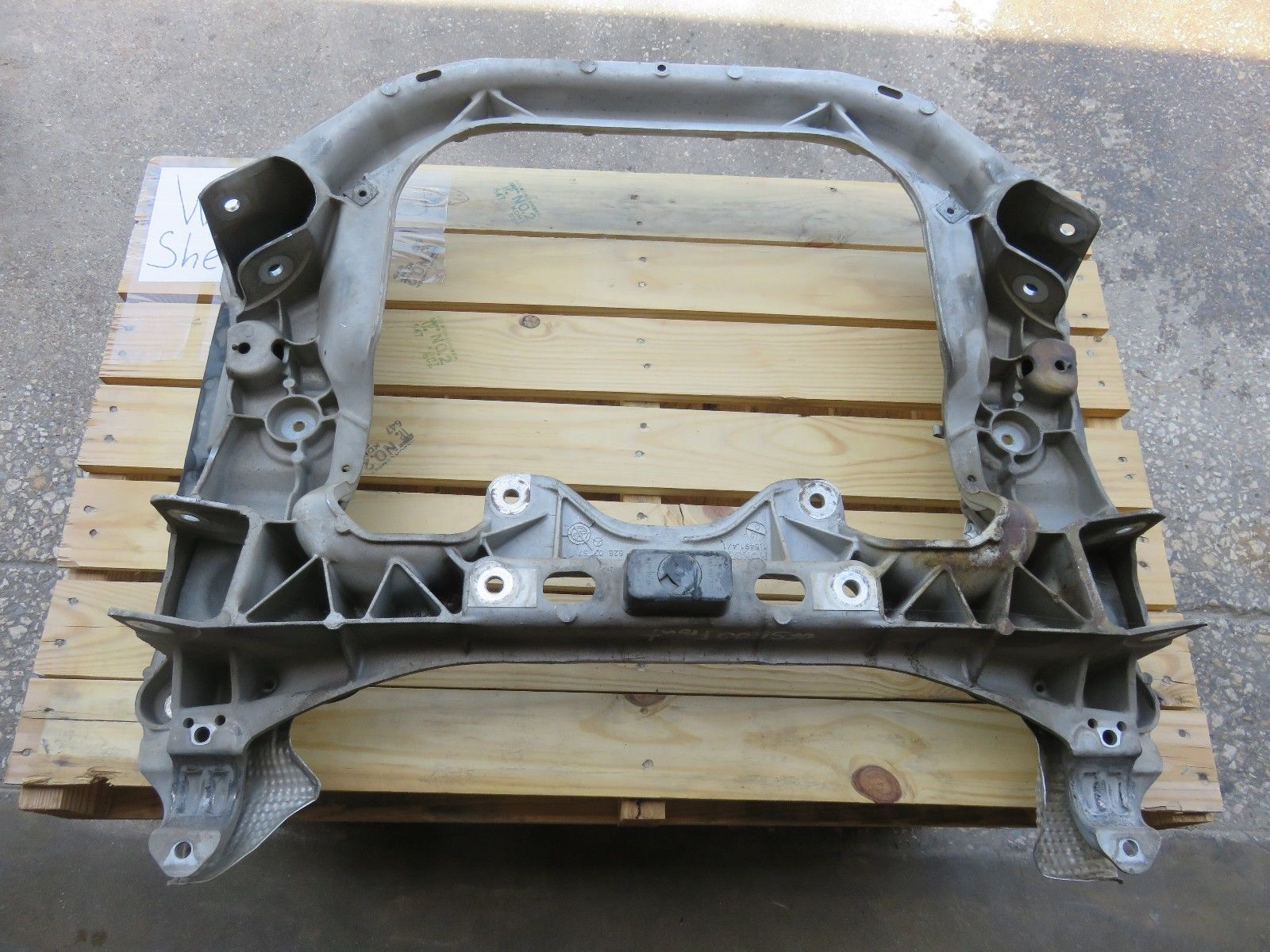 Engine suspension subframe for Mercedes benz parts dallas