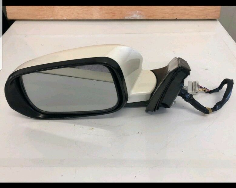 05-08 Acura tsx driver Side View Mirror Power Heated white OEM  128-50081R