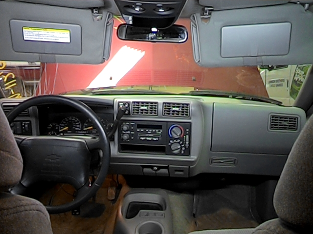 1996 chevy s10 blazer interior rear view mirror 8 95 ls. Black Bedroom Furniture Sets. Home Design Ideas