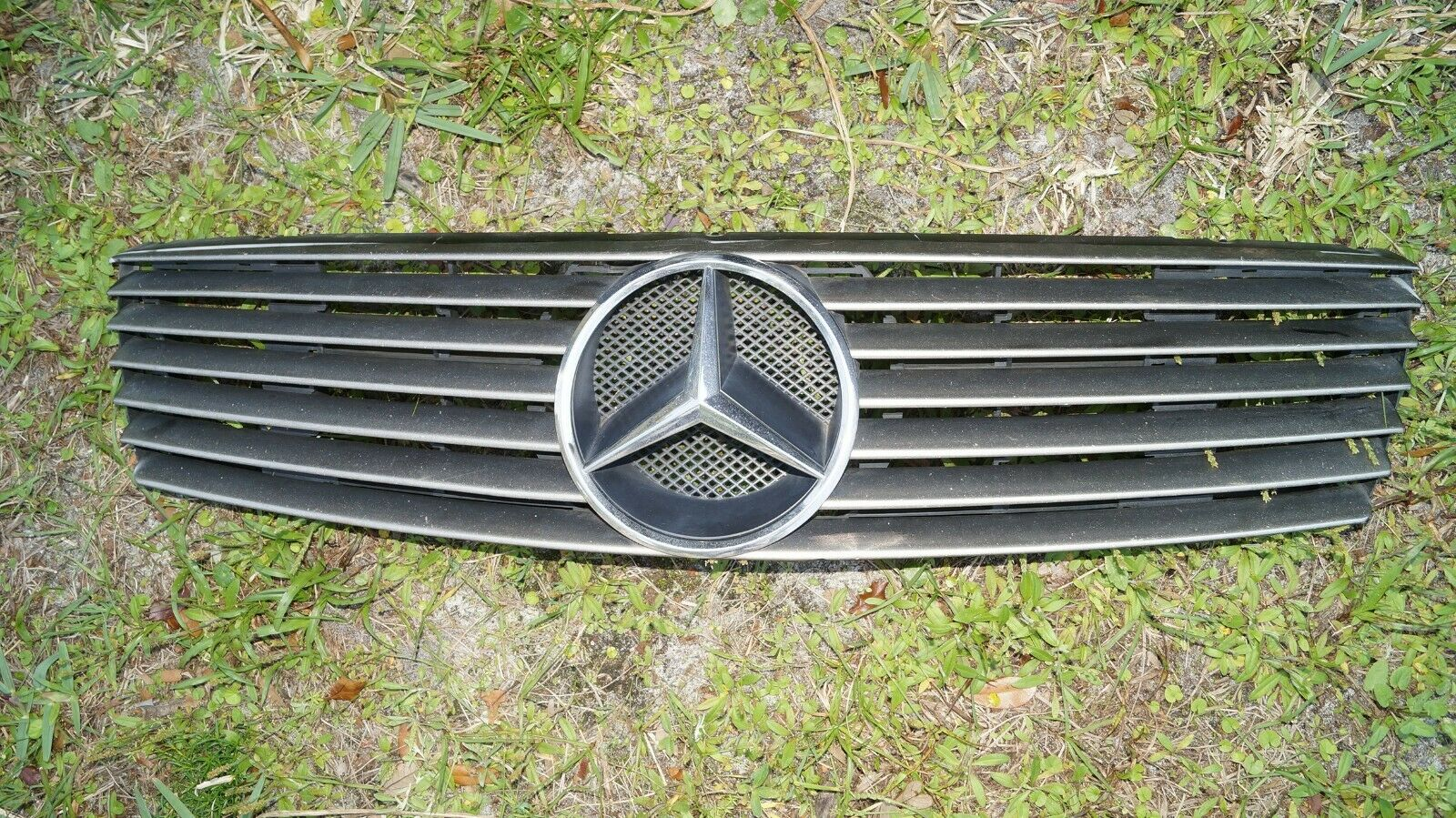 92-98 MERCEDES W140 S600 S500 CL500 CL600 GRILL GRILLE  COUPE ONLY 1408880060 140 888 00 60 C140COUPE