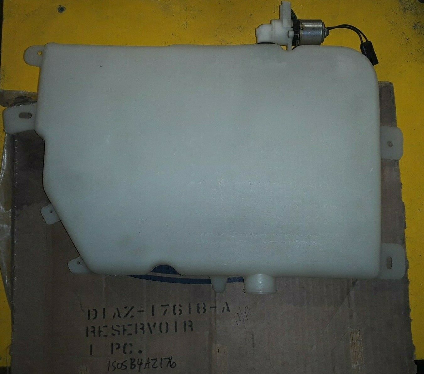 NOS OEM Ford 1971-74 Galaxie LTD STATION WAGON Washer Reservoir D1AZ-17618-A