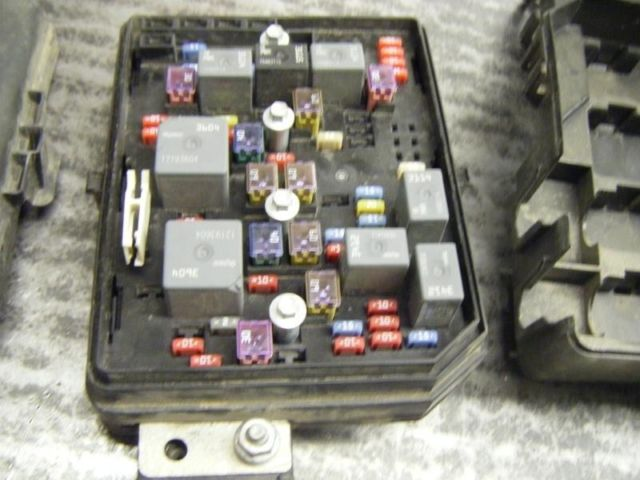 08 Impala Fuse Box Under Hood Command Center 1 Chevrolet