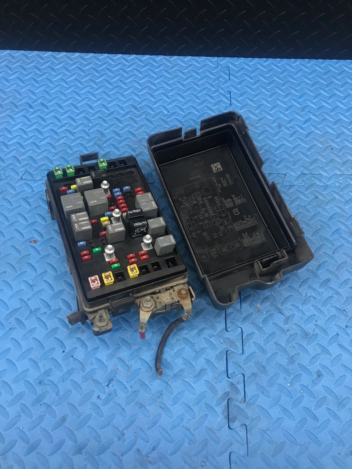 Oe Gm Buick Rainier Wire Wiring Junction Fuse Block Relay Panel Box For 15141559 Does Not Apply