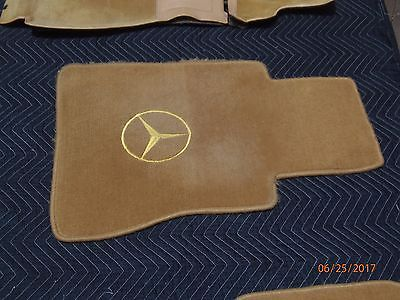 Mercedes-Benz Carpet Set - Palomino - 123 Chassis