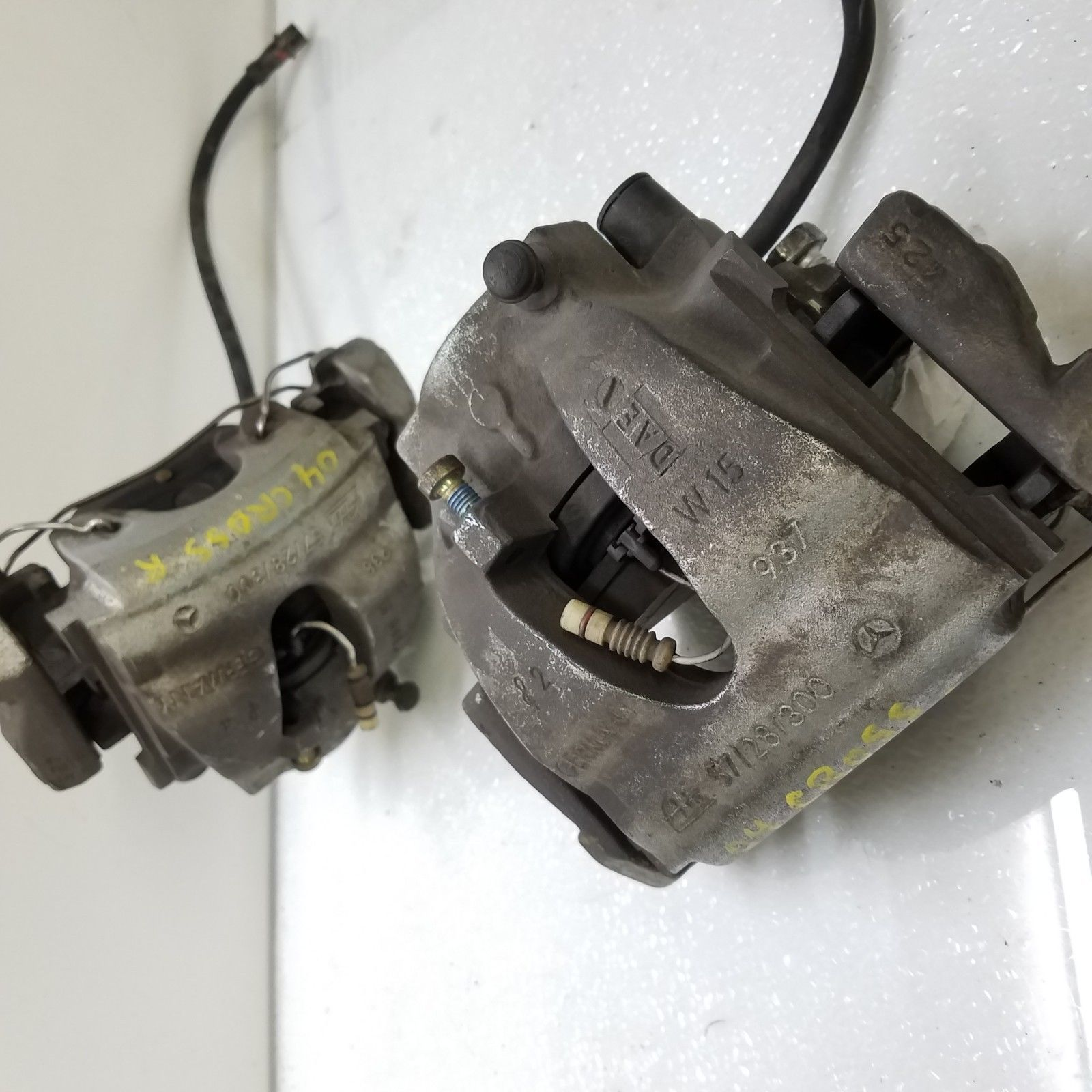 2004-05-06-07-2008 CHRYSLER CROSSFIRE FRONT RIGHT & LEFT BRAKE CALIPERS PAIR Does not apply