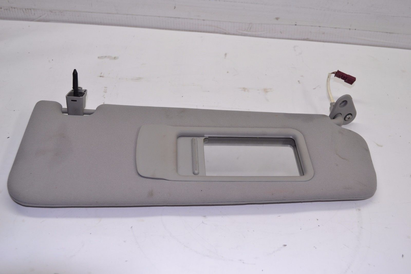 2006-2011 BMW E90 325i 328i 330i 335i FRONT RIGHT PASSENGER SIDE SUN VISOR GRAY