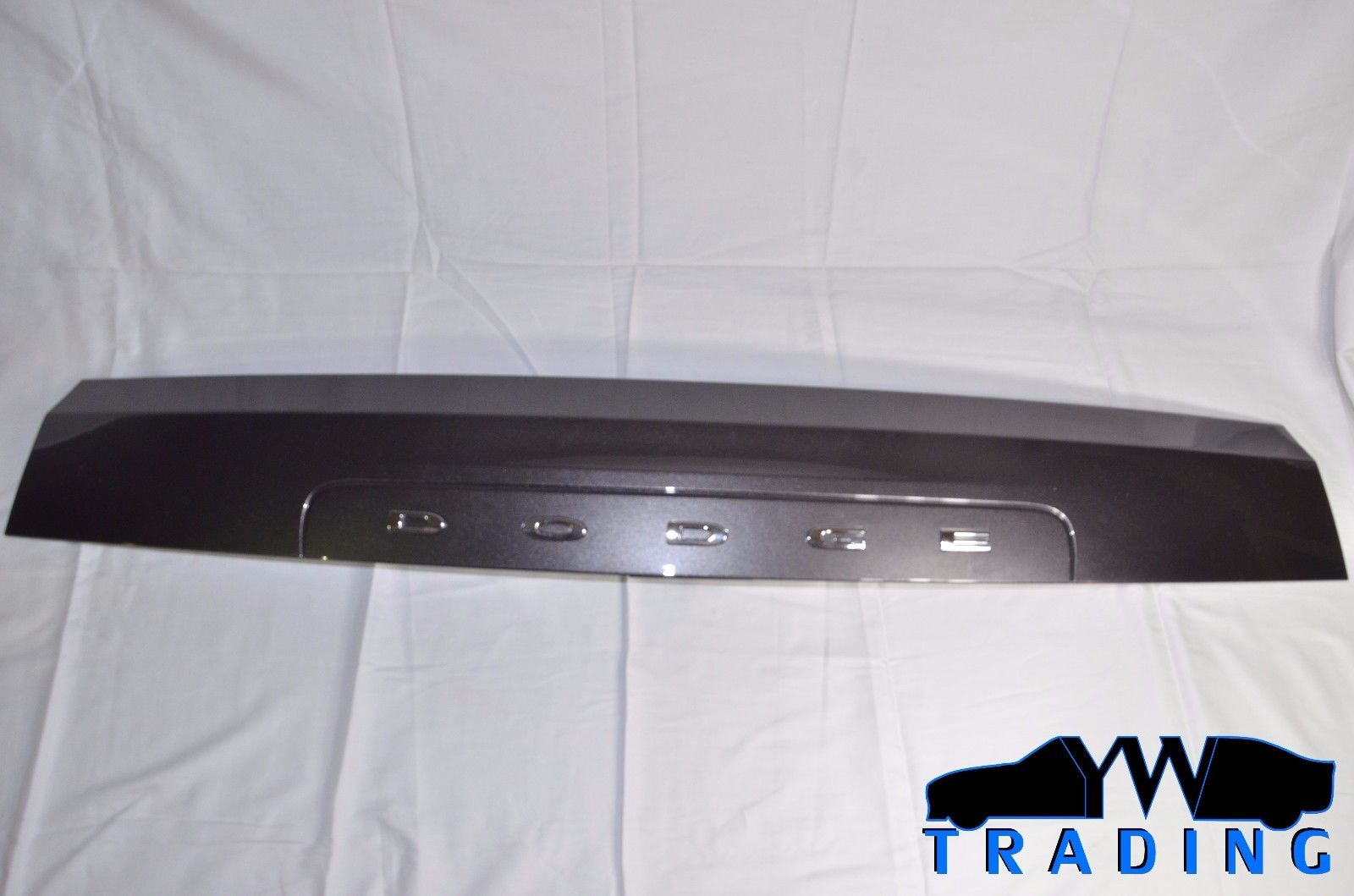2011 - 2015 DODGE GRAND CARAVAN OEM REAR TAILGATE PANEL W / HANDLE 1SM16TRMAE