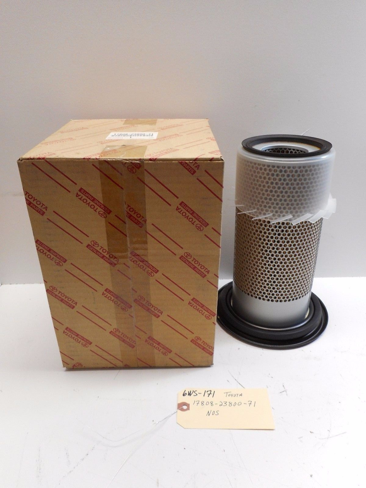 TOYOTA AIR FILTER 17808-23800-71 *FREE SHIPPING*