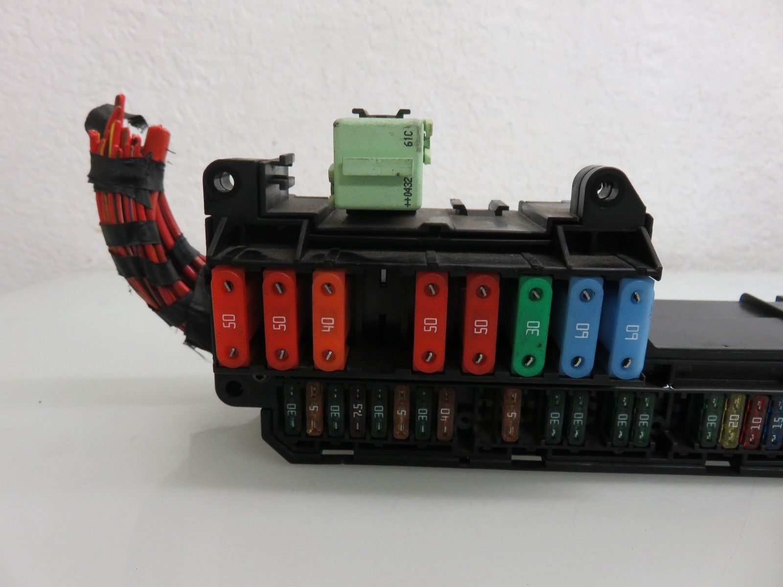 04 07 Bmw E60 545i 550i Front Power Distribution Fuse Box 6932452 Oem