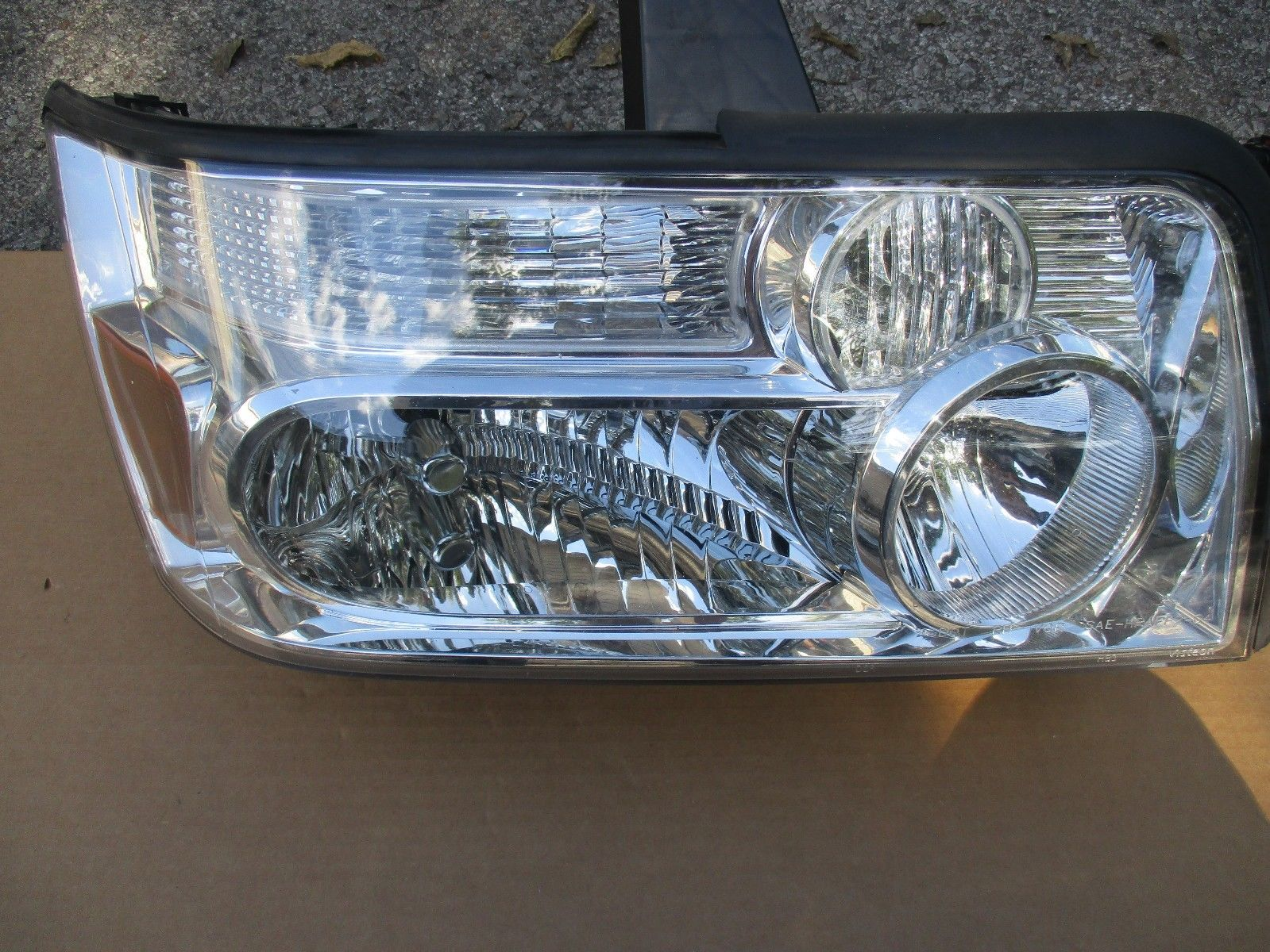 06 07 08   Infiniti QX56 RH Headlight HID XENON OEM W/OUT DRL 1036992
