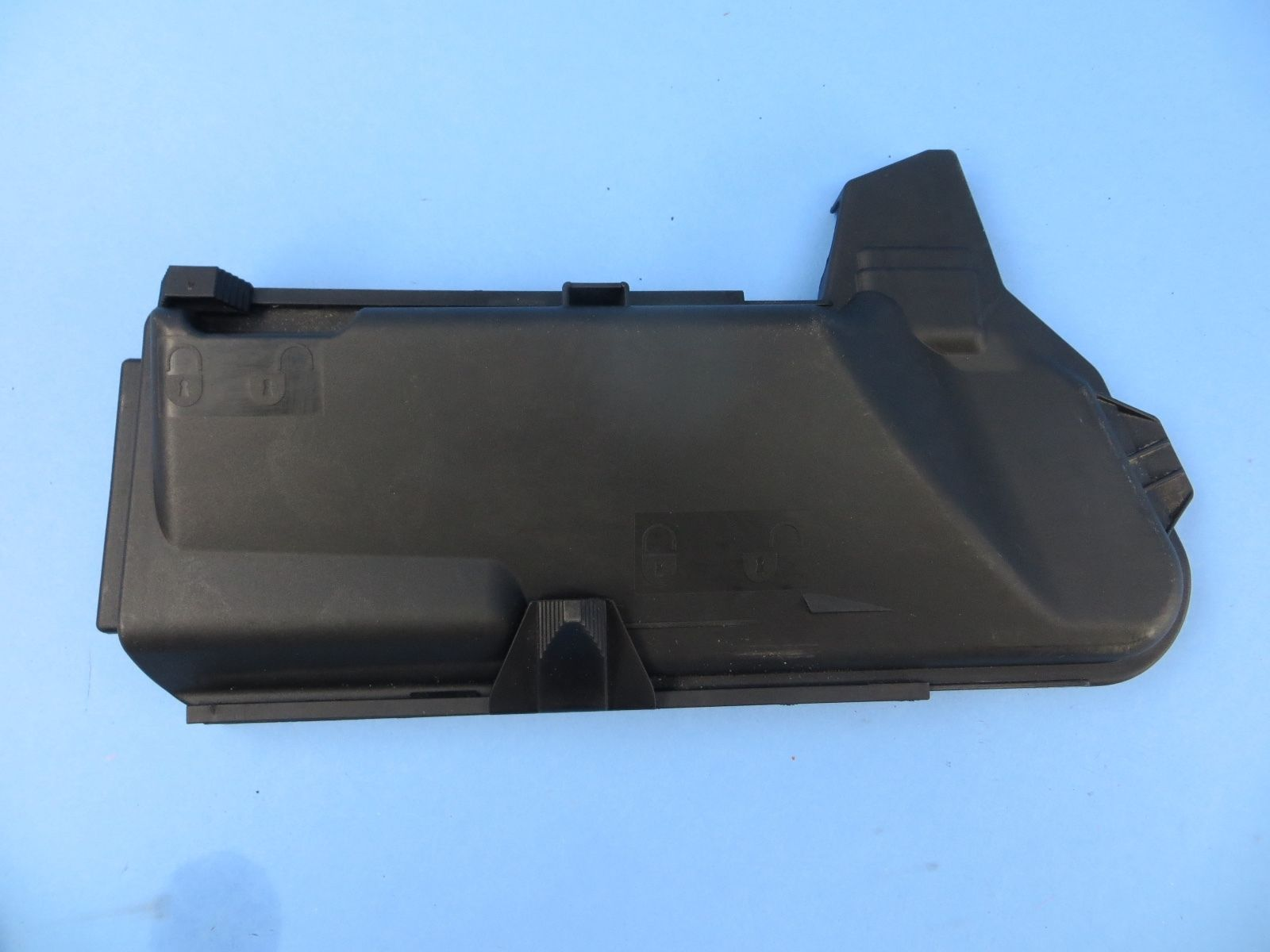 2007-2011 MERCEDES CLS550 W219 FUSE BOX COVER 2115400482 CLS350 CLS63 OEM  W211