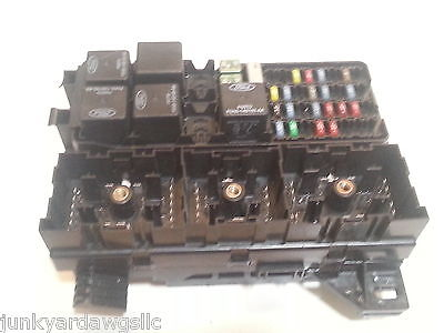 2002 2003 MERCURY SABLE FUSE BOX BLOCK RELAY PANEL USED