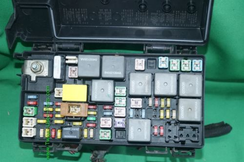 Dodge Nitro Tipm Totally Integrated Power Module Fuse Relay Box 56049721aj   56049721aj  56049721aj