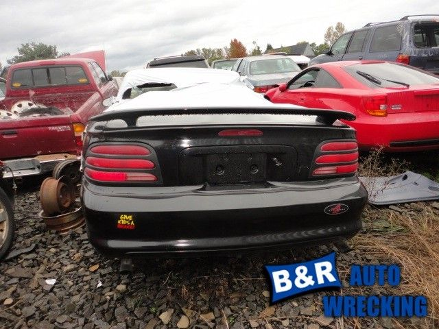 94 95 FORD MUSTANG R. TAIL LIGHT 6594324 6594324
