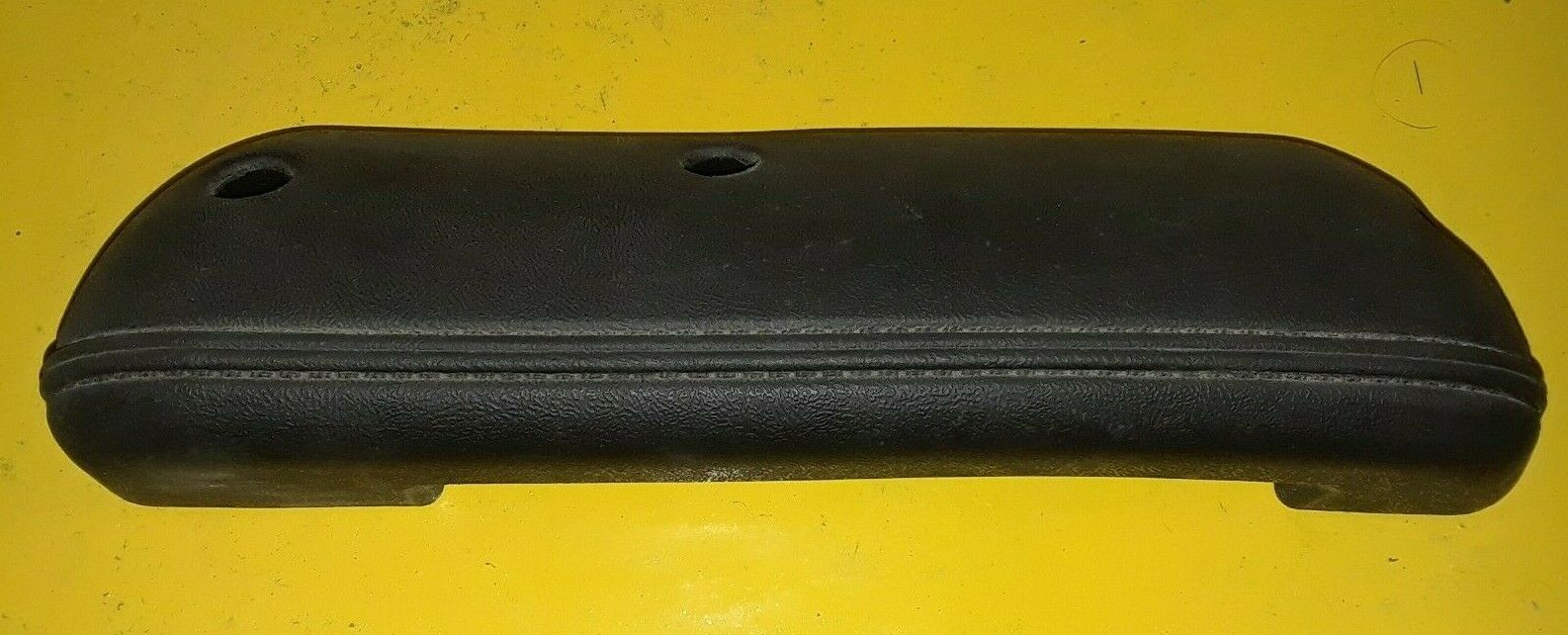 FORD AFTERMARKET FRONT RIGHT DOOR PANEL ARMREST BLACK D0TB-1024140-AW Does not apply