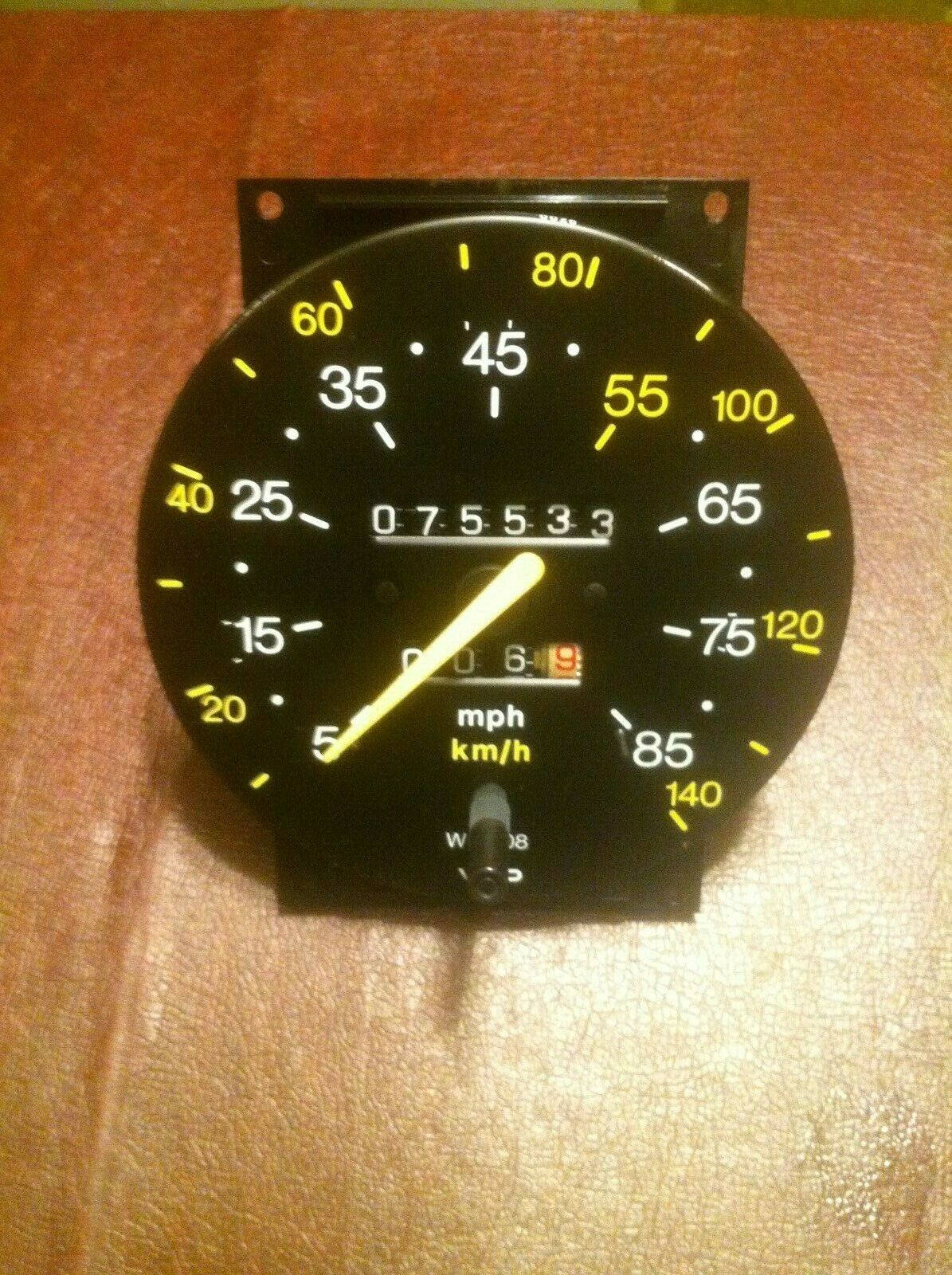 Early Saab Classic 900 Non-Turbo Speedometer 85 MPH 1983 75533 Miles