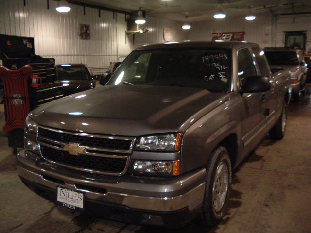 2006 chevy silverado 1500 pickup 11 miles rear axle assembly ratio 20033000 435 02239a. Black Bedroom Furniture Sets. Home Design Ideas