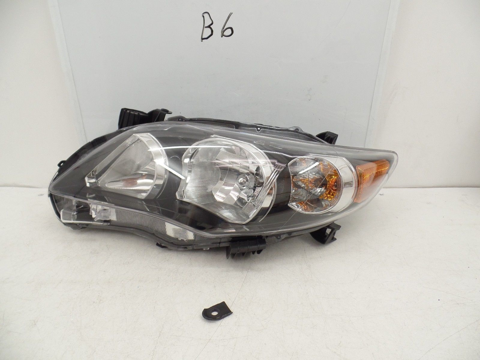 OEM HEAD LIGHT HEADLIGHT LAMP HEADLAMP..