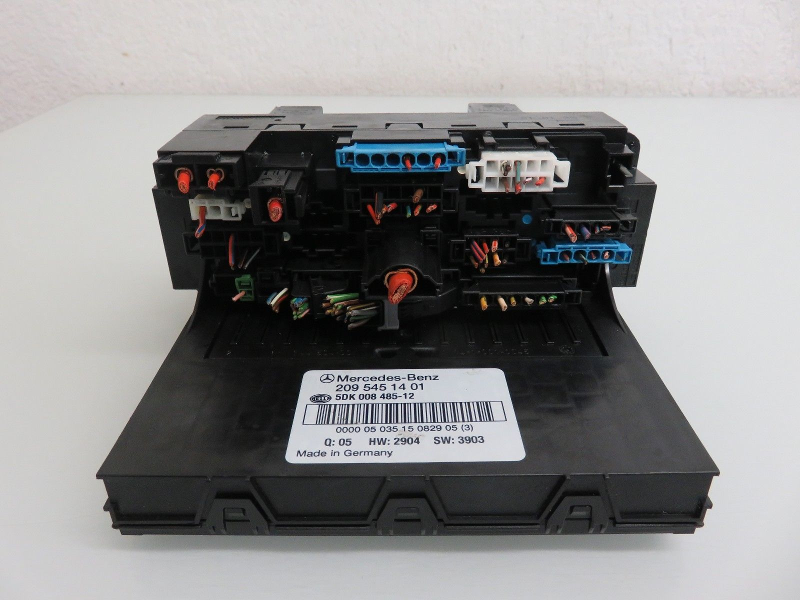 01-07 MERCEDES-BENZ W203 C230 C240 C320 FRONT SAM FUSE RELAY BOX OEM A2095451401