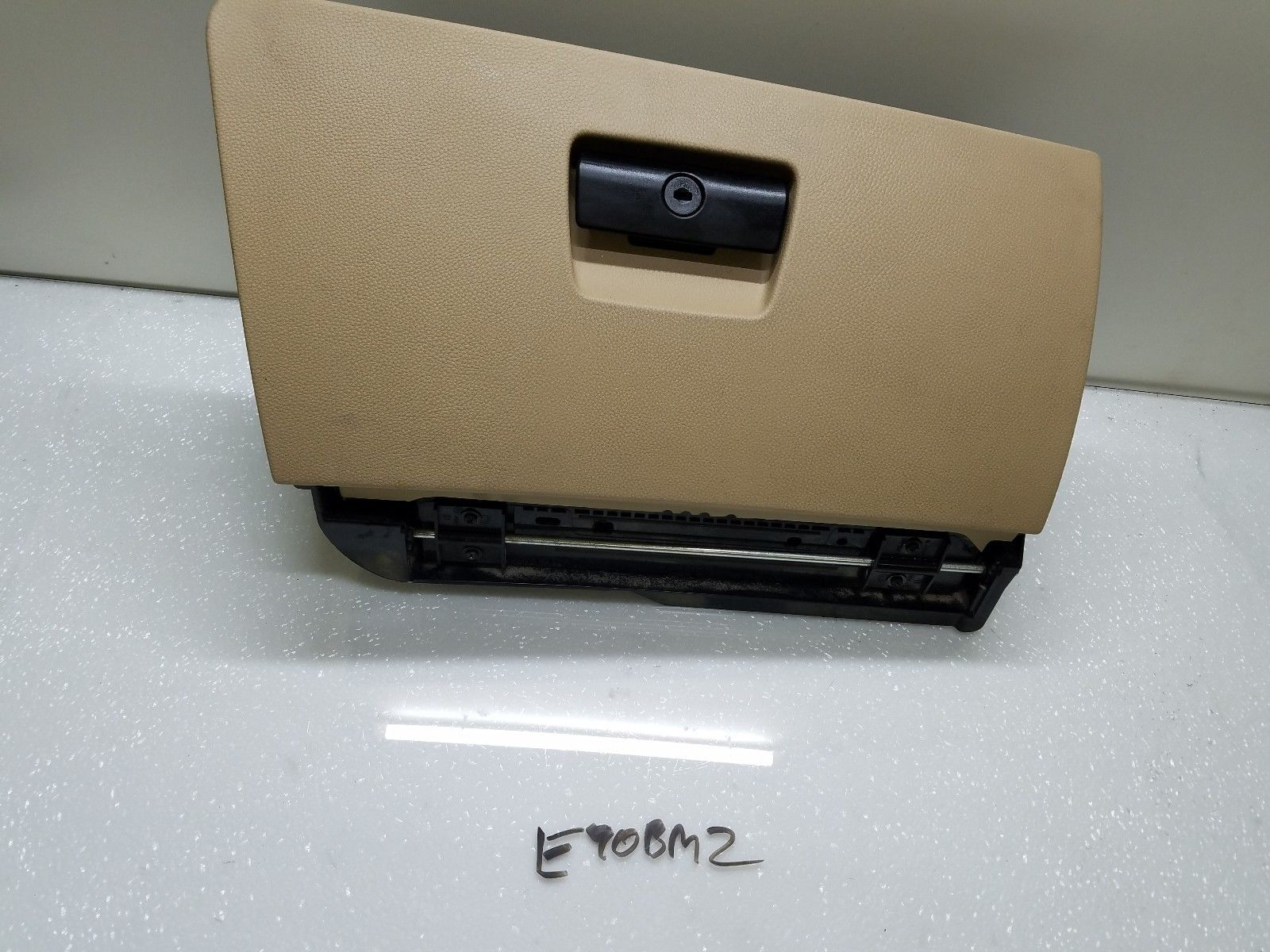 2006-2011 BMW E90 325i 328i 330i 335i GLOVE BOX STORAGE COMPARTMENT TAN