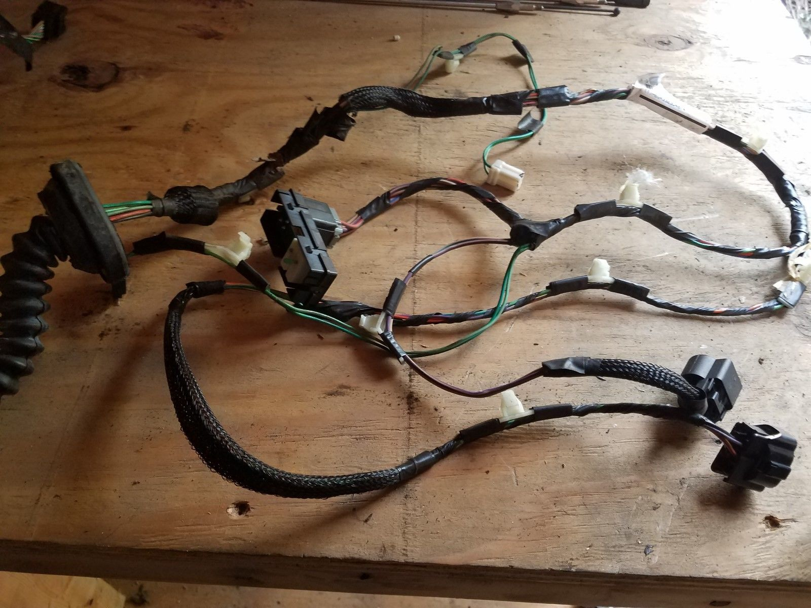 OEM 2004 Dodge Durango Front Passenger's Side Door Power Wiring Harness  Pigtail Does not apply