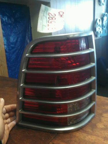 Photo Gallery 1 3 Previousnext 2002 2003 2004 2005 Mercury Mountaineer Tail Light Lh