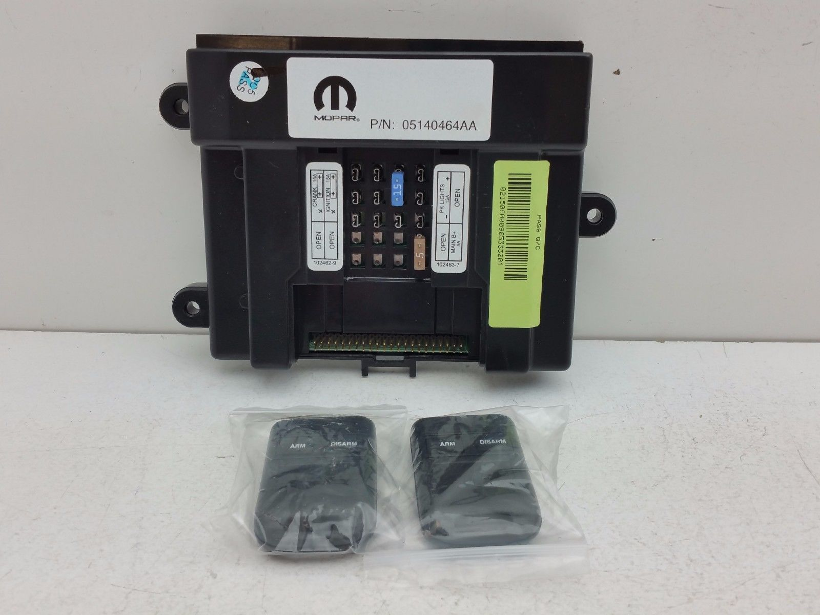 Mopar 05140464AA Alarm Control Module Security System 1-82209717 W/ REMOTES Does not apply FA-003