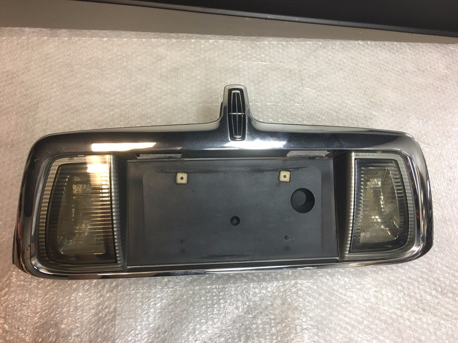 2001 2002 Lincoln Ls Trunk Lid License Plate Holder Panel Tail Light Embly 1003