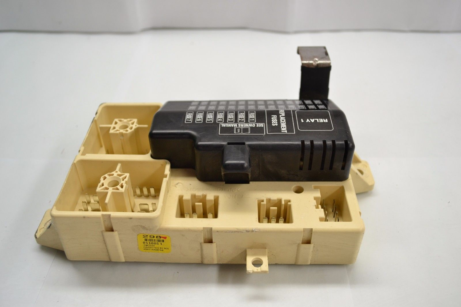 2003-2008 JAGUAR S-TYPE FRONT INTERIOR MAIN FUSE BOX ASSEMBLY 2R8T14A067 OEM 2R8T14A067