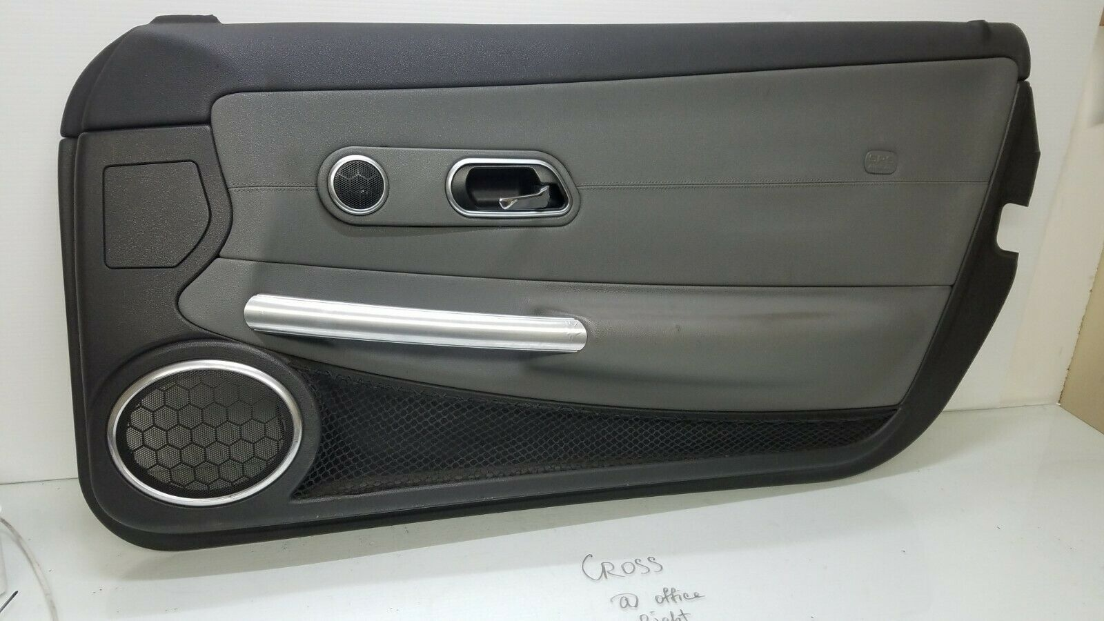 2004-2008 CHRYSLER CROSSFIRE RIGHT SIDE INTERIOR DOOR PANEL GRAY 1937200161 Does not apply cross