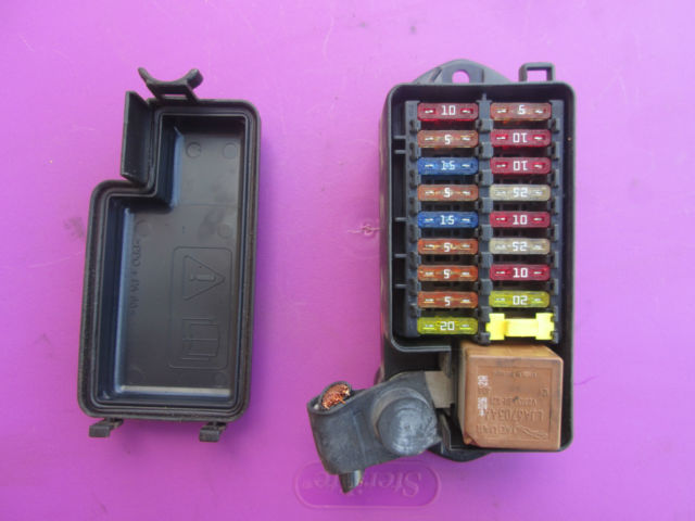 Jaguar Xj8 Xj8l Vanden Plas Rear Interior Fuse Box 18 Way