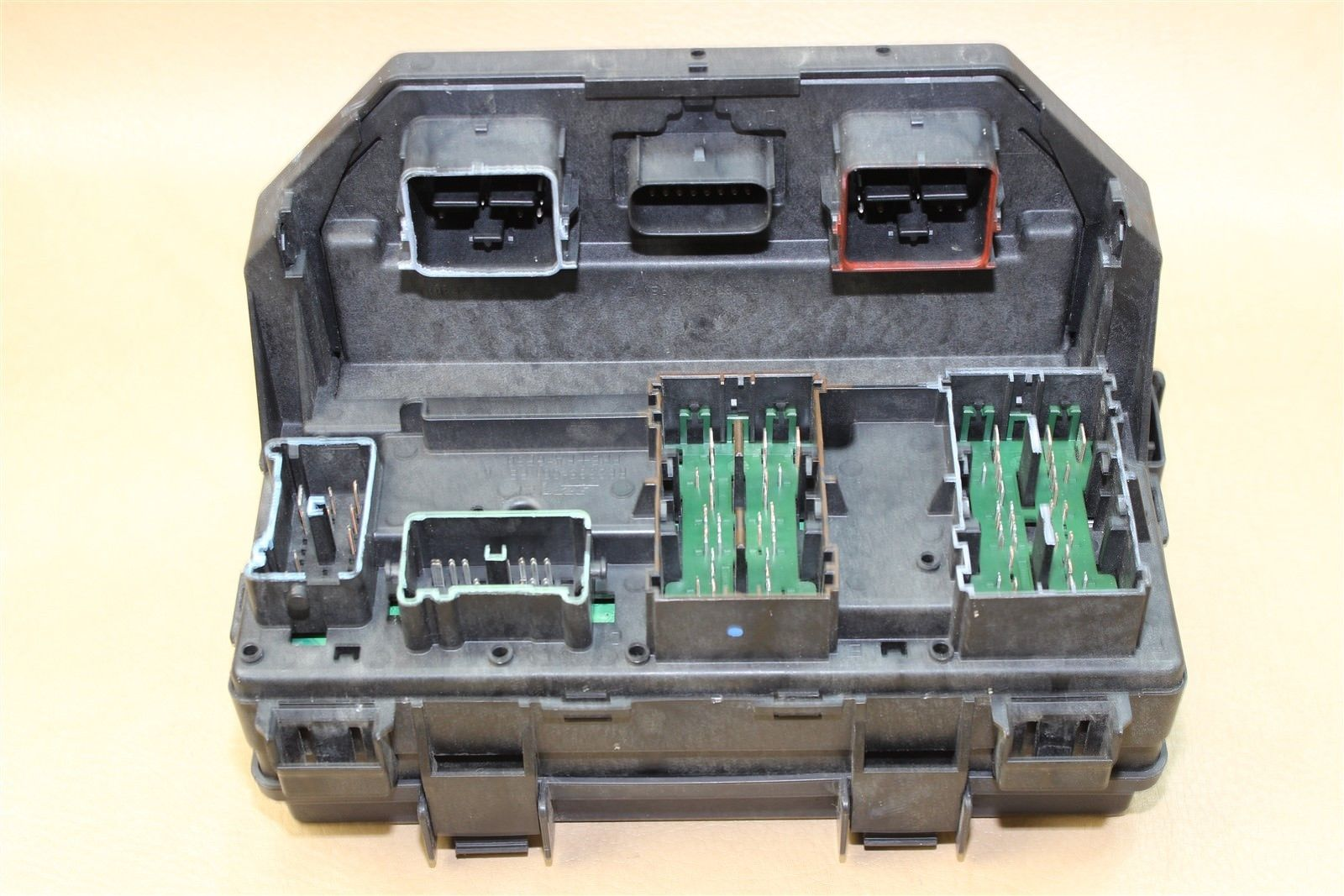 REMAN 2011 WRANGLER 3.8L TIPM TEMIC INTEGRATED FUSE BOX MODULE 04692332AE  OEM Does Not Apply
