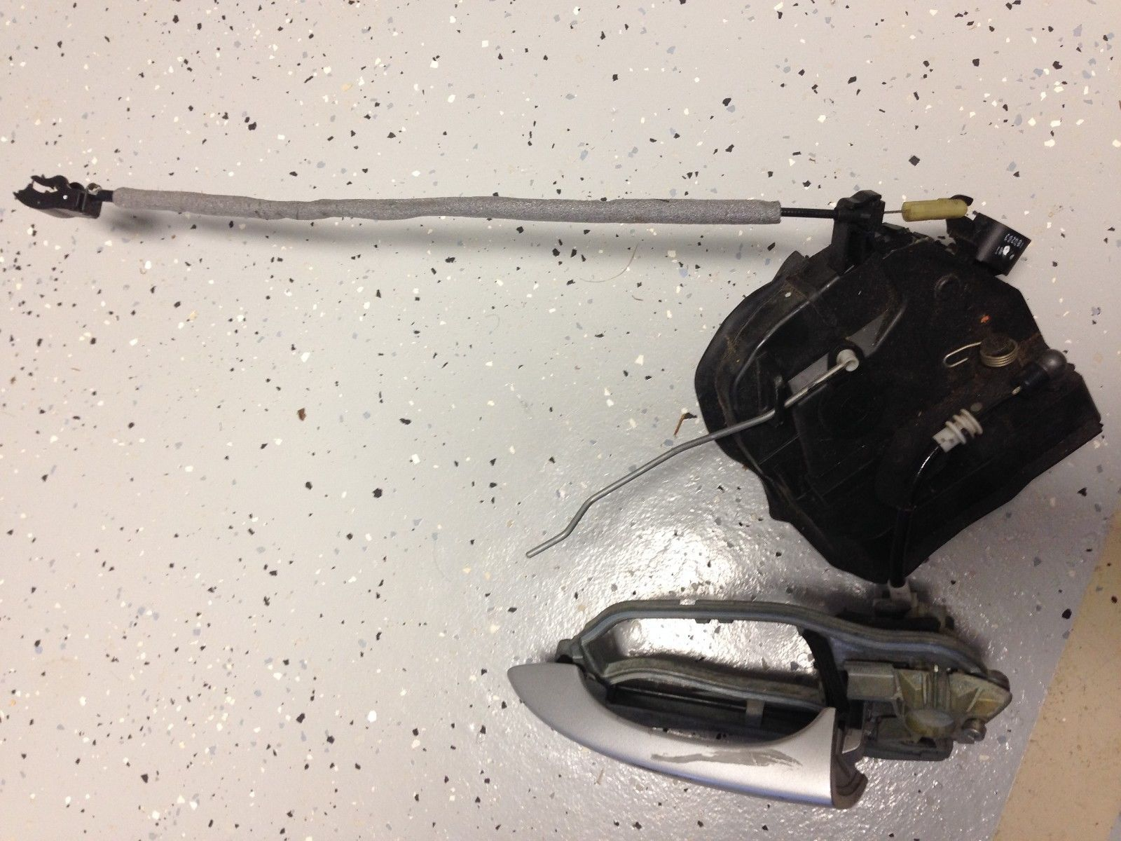 2003 BMW X5 E53 FRONT RIGHT LOCK ASSEMBLY AND HANDLE