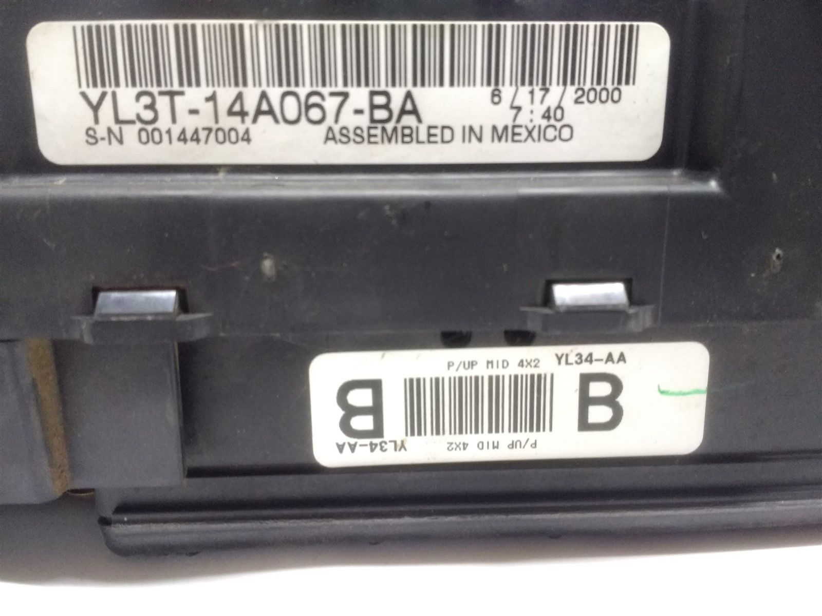 99-04 Ford F150 Interior Dash Fuse Box Junction with Gem OEM YL3T-14A067