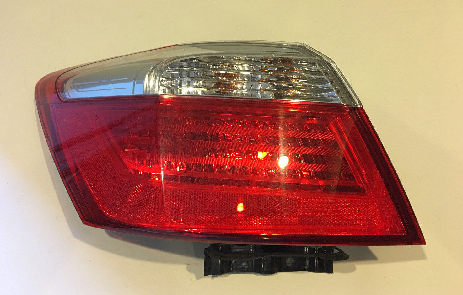 2013 2014 HONDA ACCORD SEDAN LEFT DRIVER TAIL LIGHT OEM MG