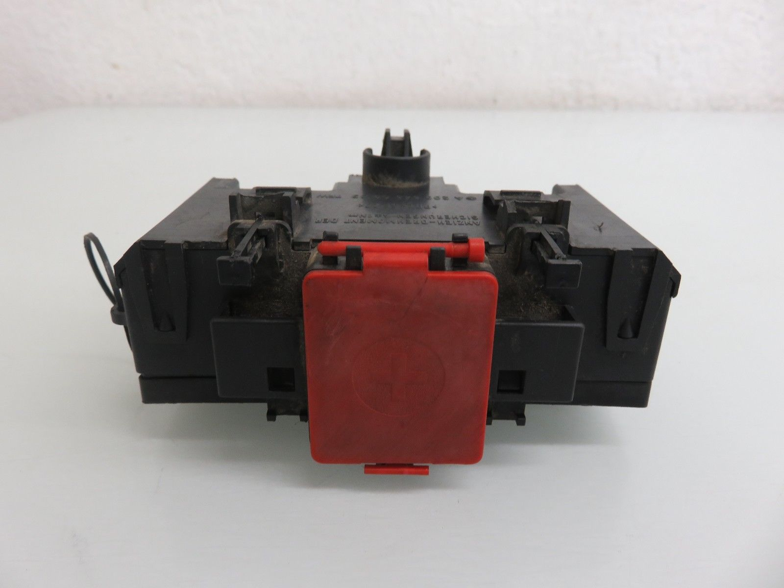 01-07 MERCEDES-BENZ W203 C230 C240 TERMINAL FUSE BOX POSITIVE NEGATIVE  CONNECTOR 2035450803