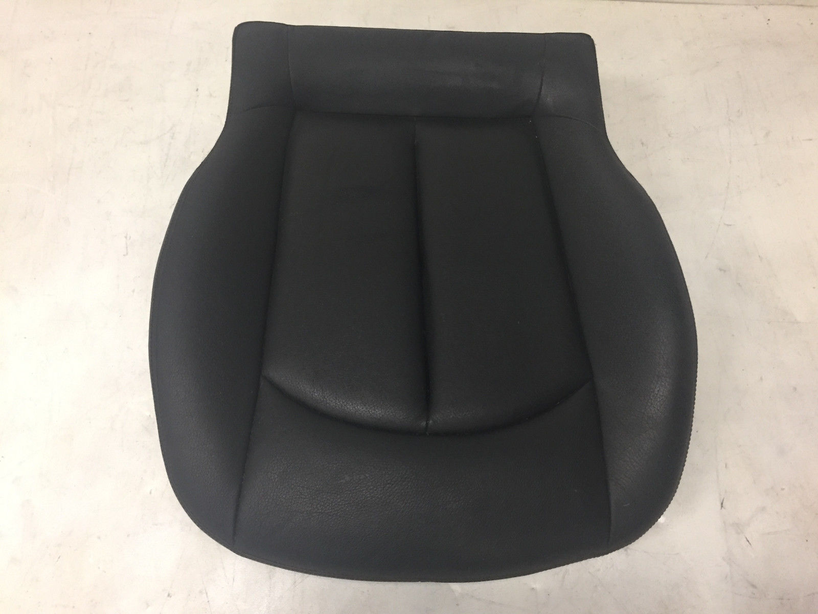 2006 Mercedes CLK320 Front Left Driver Lower Said Black Leather Seat