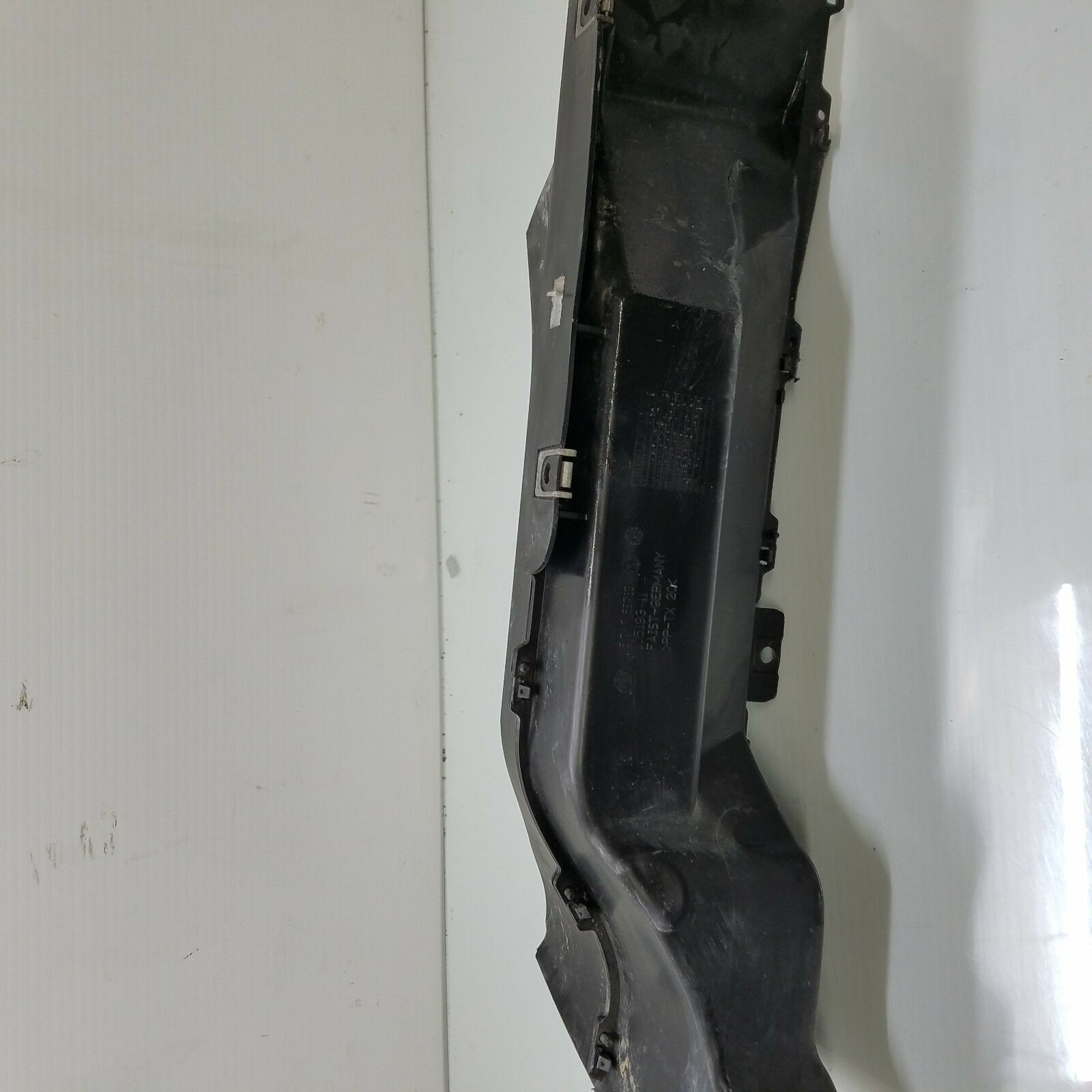 2006-2008 BMW 750i 750Li FRONT LEFT AIR INTAKE DUCT TUBE OEM 7153783 Does not apply