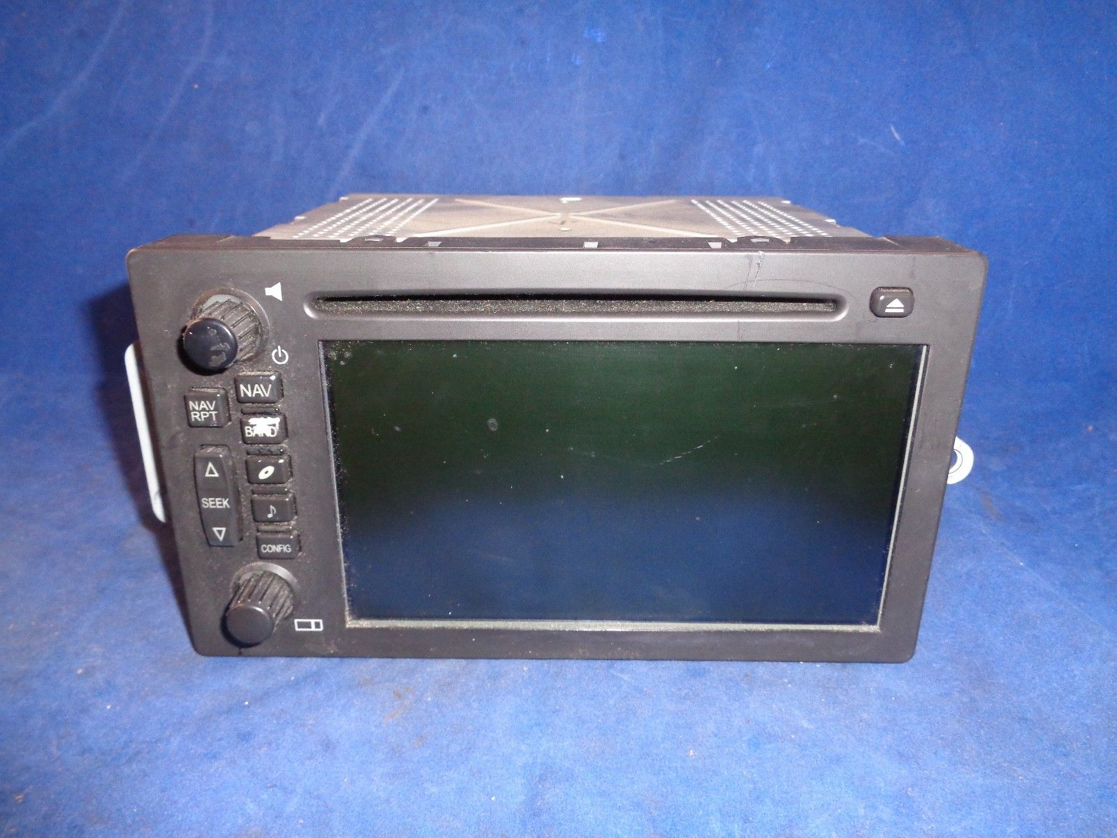 OEM GMC Envoy Denali Chevy Avalanche Navigation CD Head Unit Radio GPS Stereo  Does not apply