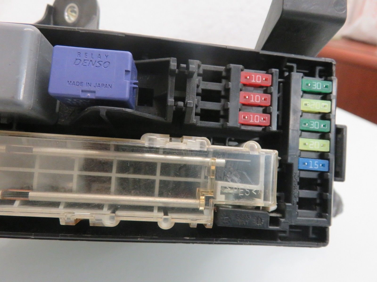 06-08 LEXUS IS250 BATTERY POSITIVE TERMINAL FUSE BOX OEM 82821-50470