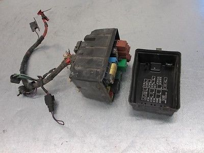 99 mercury cougar under hood fuse box 2 5l 646 fd3h99 7685