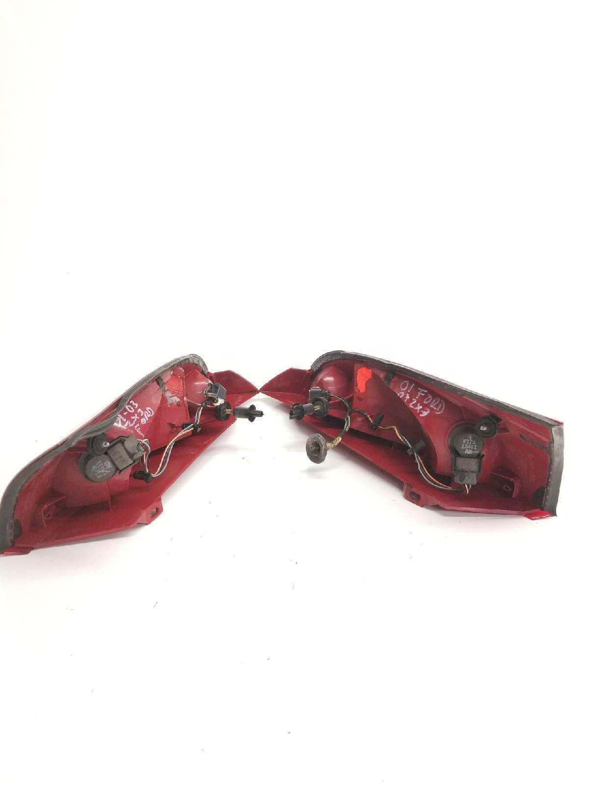 01 02 03 04 05 06 07 FORD FOCUS ZX3 TAIL LIGHT BRAKE LH RH FACTORY OEM USED PAIR Does not apply