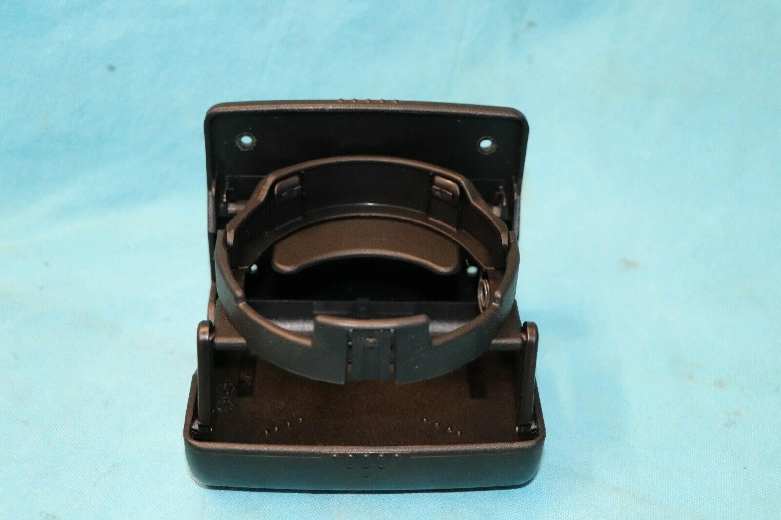 96-03 MERCEDES BENZ W210 E320 WAGON THIRD ROW REAR CUP HOLDER 2108100514 BLACK 1996 1997 1998 1999 2000 2001 2002 2003 blkcup