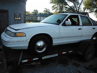 1996 - 97 Ford 4.6 Police Interceptor complete takeout engine  WILL SHIP