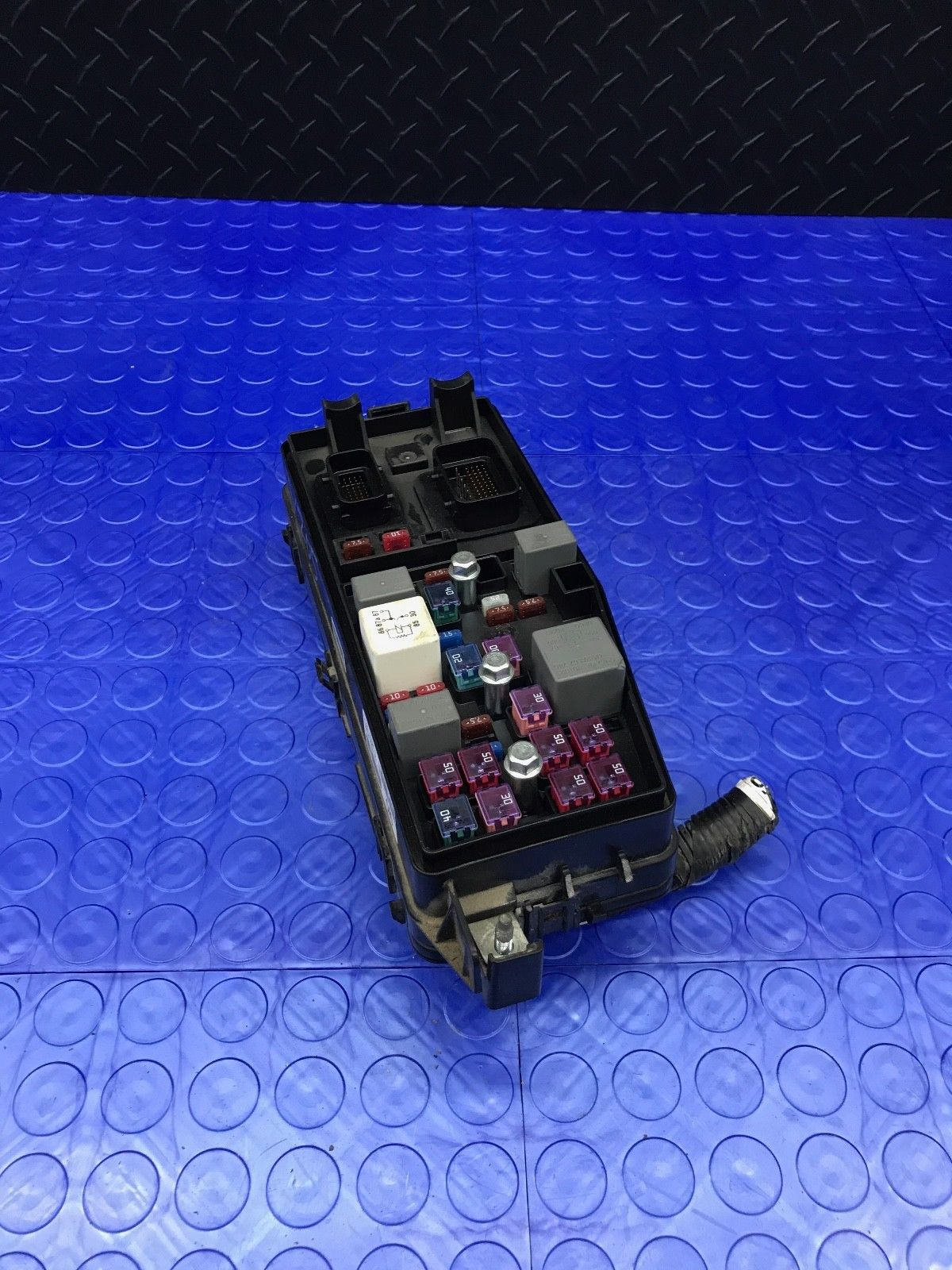 91950 Page 2 Kia Forte Koup Fuse Box Genuine Part Wire Wiring Junction Block Relay Panel Em91950