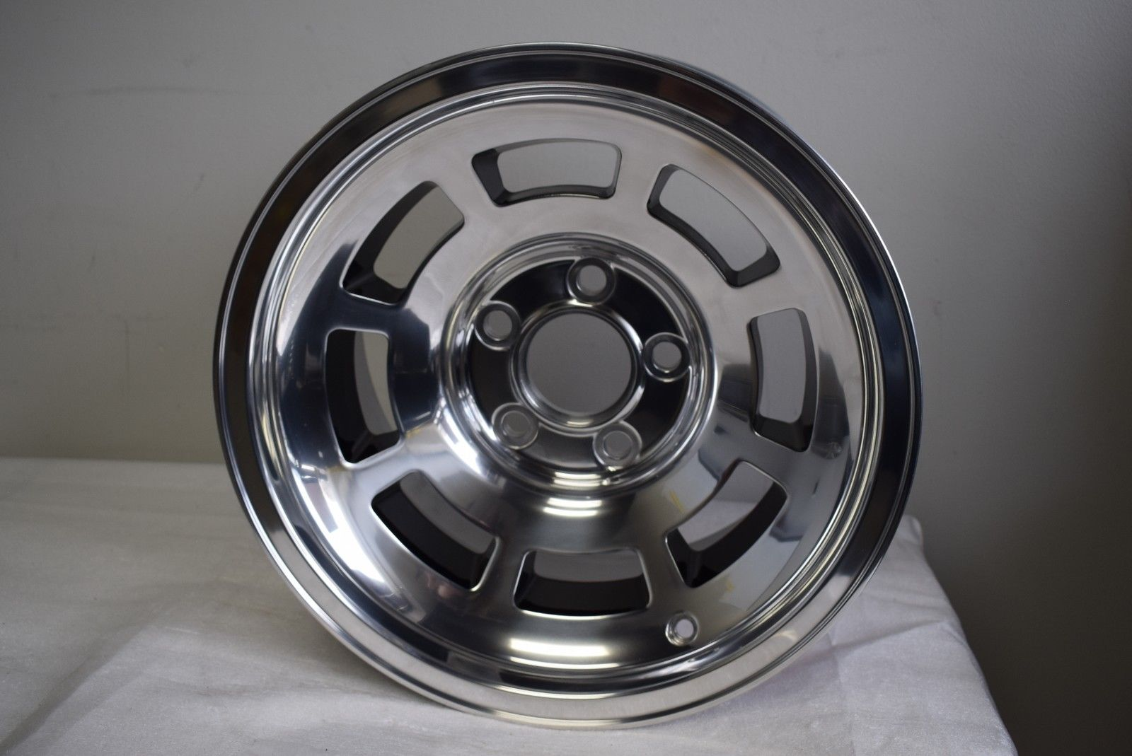 CUSTOM 15'' INCH 8JX15 WHEEL RIM